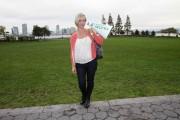 Дженни Гарт, фото 847. Jennie Garth Kicks Off International Walk To School Day New York - 05.10.2010, foto 847