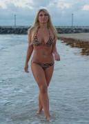 Nov 28, 2010 - Brooke Hogan - Bikini in Miami Beach 0a91c2108682805