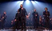 Take That au X Factor 12-12-2010 - Page 2 2d0236111005652