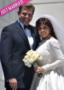 Marie Osmond re-marries 1st husband wearing the same wedding dress she wore in 1982| 5.4.11