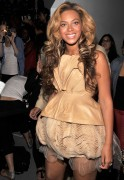 Beyonce Knowles attends the Vera Wang Spring 2012 fashion show, 13 September, x31