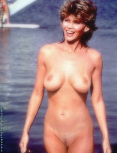 Amy Jo Johnson Nude
